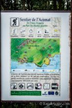 Panneau au départ du sentier d'Acomat