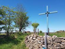 Une croix au détour du chemin