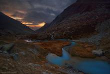 Le jour se lève vers le Lac de la Douche