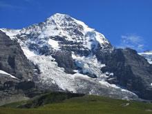 Le versant nord du Mönch (4107 m)