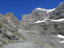 En bas de la face ouest de l'Eiger