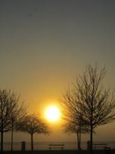 Lever de soleil sur Rodez en Aveyron lors d'une petite randonnée à Layoule