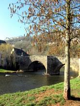 Balade à Layoule sous Rodez, pont de pierre et croix