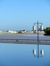 Le Miroir d'Eau et la Garonne à Bordeaux