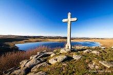 Lac de Saint-Andéol et sa croix