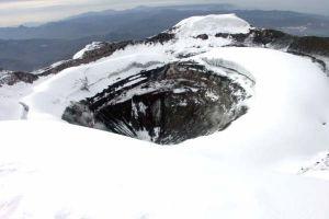 Cotopaxi et son grand cratère