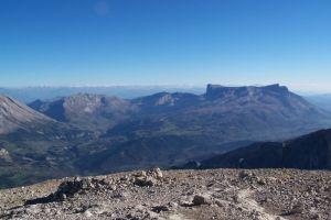 Vue du sommet sur le plateau de Bure
