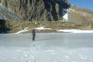 Promenade sur le lac de Pombie glacé
