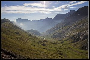 Vallée sous le col de Boucharo