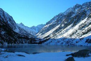 Lac de Gaube au lever du jour