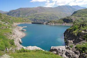Lac et barrage des Gloriettes, au retour du Cirque d'Estaubé