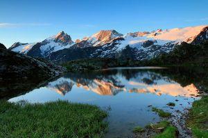 Le jour se lève sur le lac Lérié