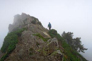 Randonneur en direction du Pic de Viscos, Pyrénées