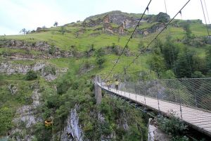Randonnée pédestre à la passerelle d'Holzarté