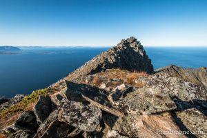 Au sommet de Sjursviktinden