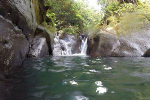 Petite cascade au bout du Bassin Bleu