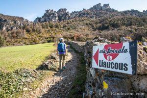 On suit l'itinéraire de la via ferrata de Liaucous