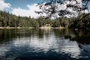 Sur le tour du lac Möserer See en Autriche