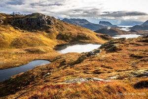 Passage au dessus des lacs dans les Lofoten