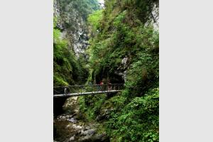 Randonnée dans les gorges de Kakuetta
