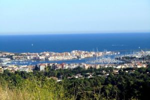 Vue depuis le Sémaphore du Mont Saint Loup sur le port du Cap d'Agde
