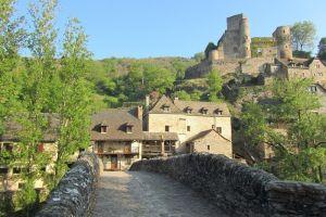 Randonnée à Belcastel: Un des Plus Beaux Villages de France