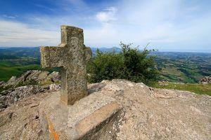 Croix au sommet du Mondarrain