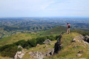Depuis le sommet du Mondarrain dans le Pays-Basque