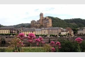 Estaing, classé parmi les plus beaux villages de France