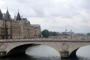 Pont sur la Tamise à Paris