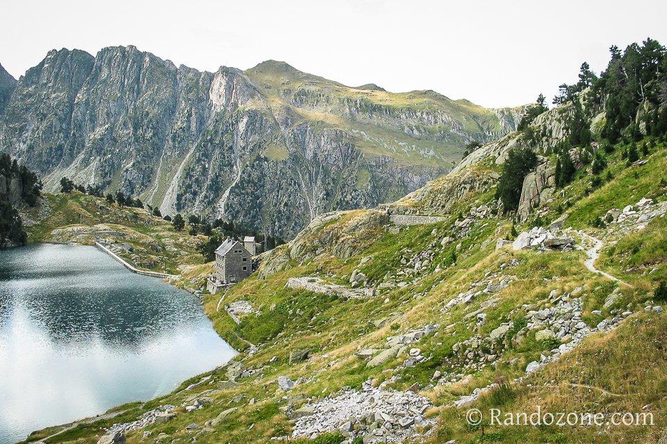 Refuge et lac de la Restanca