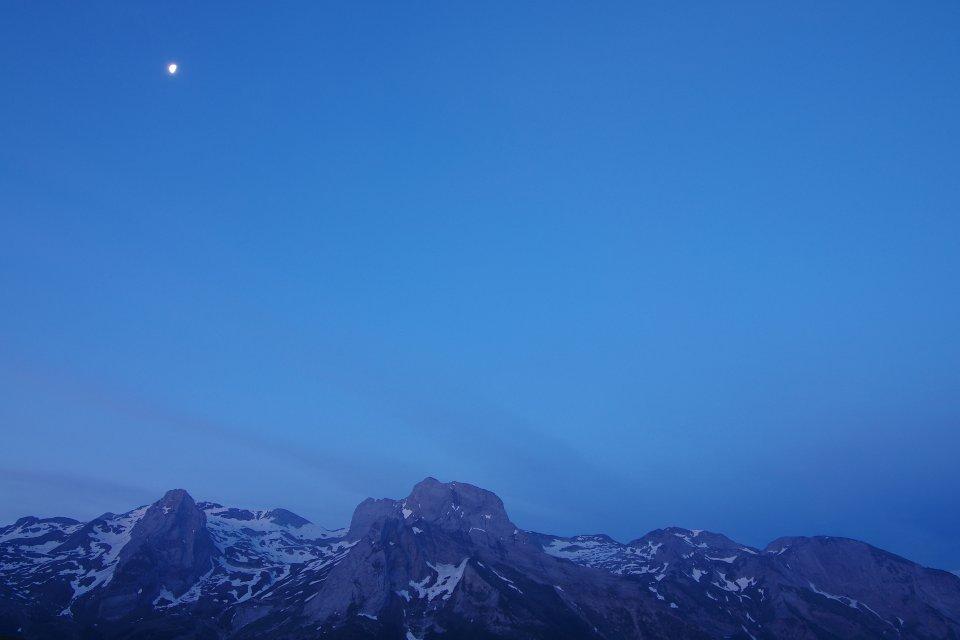 Pic de Ger et lune au levant