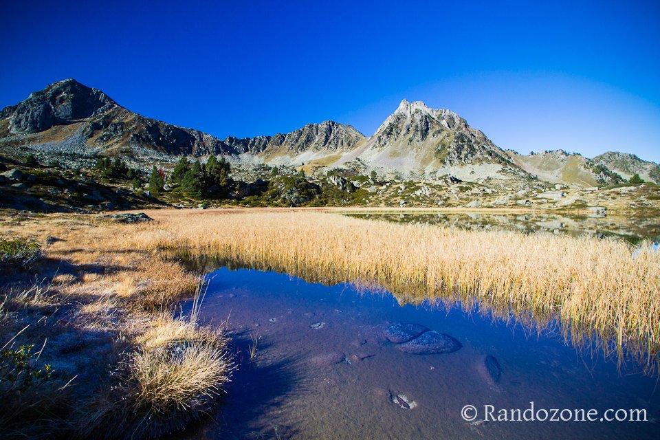 Lac de la Jonquère dans les Hautes-Pyrénées