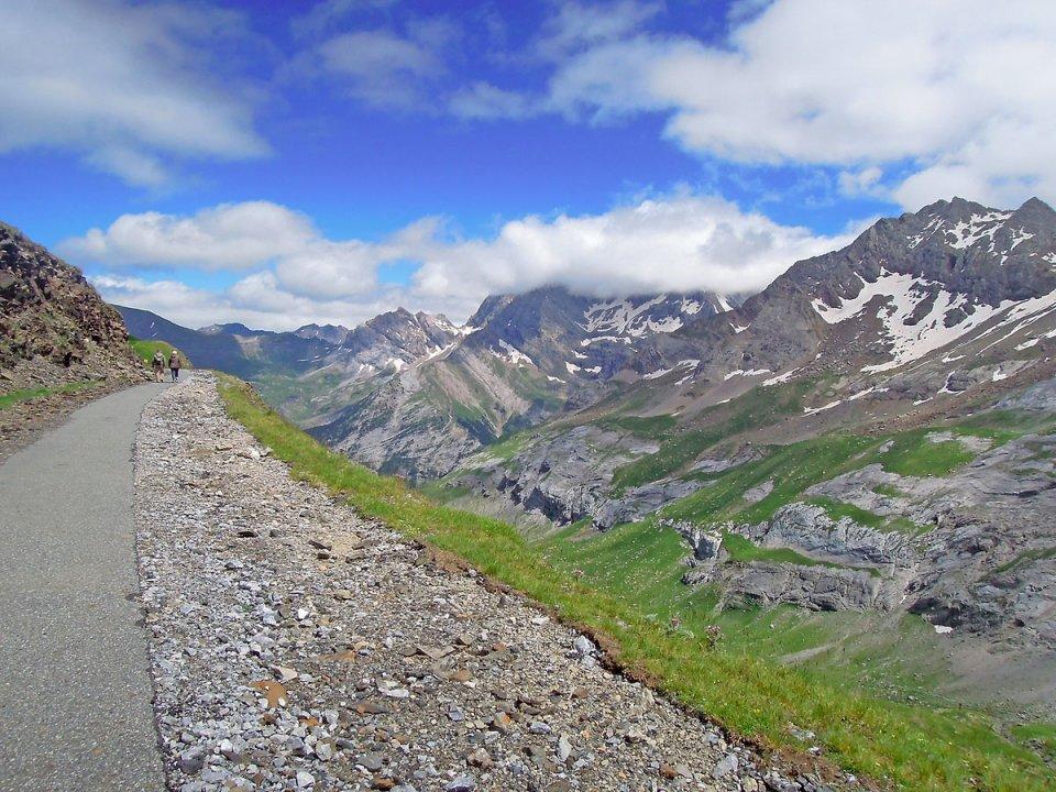 Chemin qui va au Col de Tentes