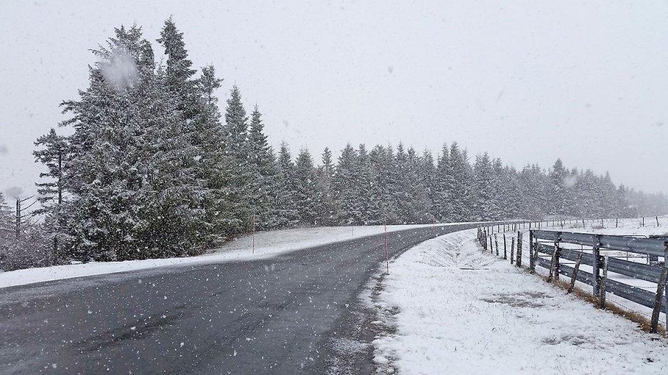 Il neige à très gros flocons
