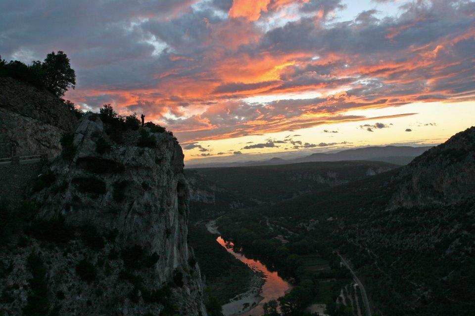 Eaux vives : Descente de l'Ardèche en canoë kayak