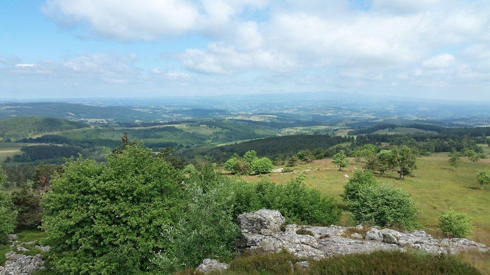 Vue panoramique depuis le sommet du puy