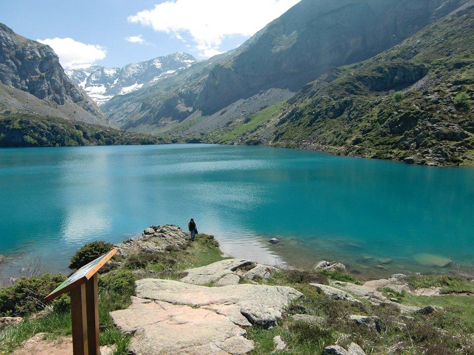 Eaux turquoises du lac des Gloriettes
