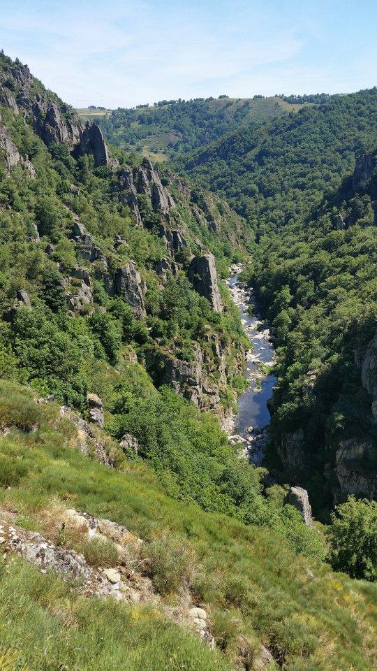 Superbe vue sur les Gorges du Bès
