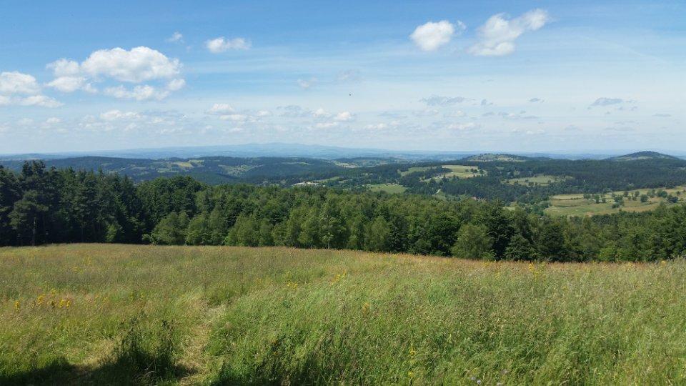 Belle vue dégagée sur les monts