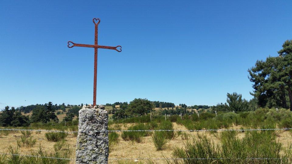 Croix droit au coeur