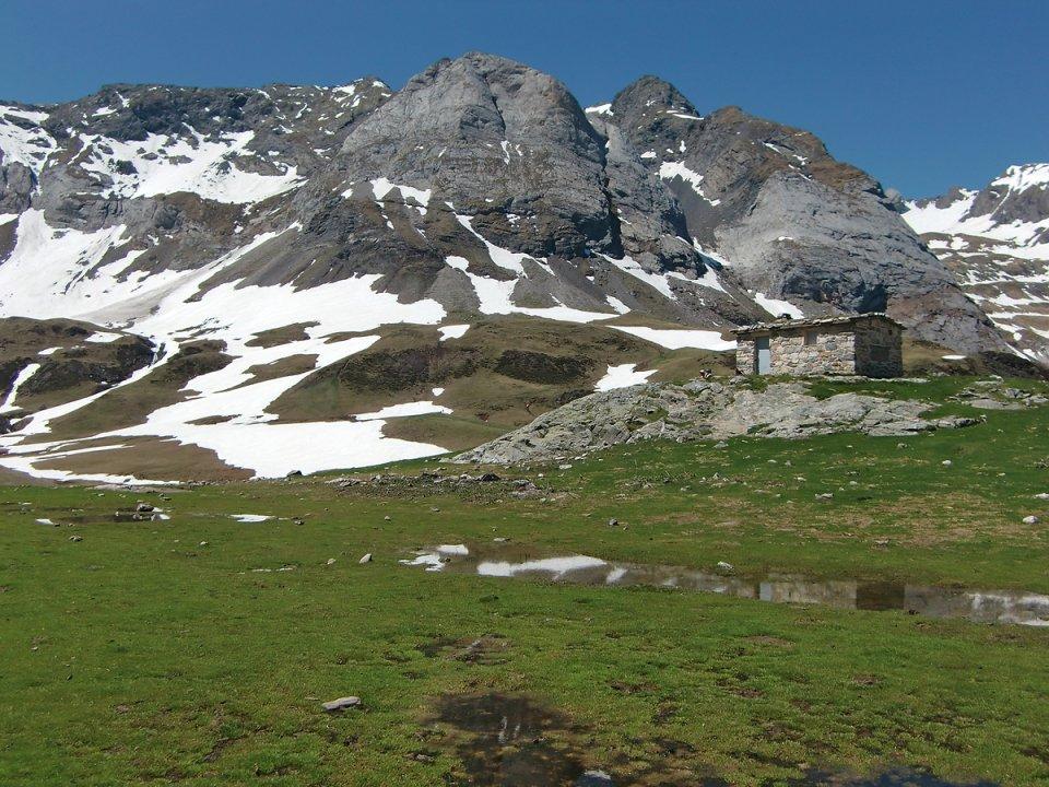 Cabane dans Troumouse