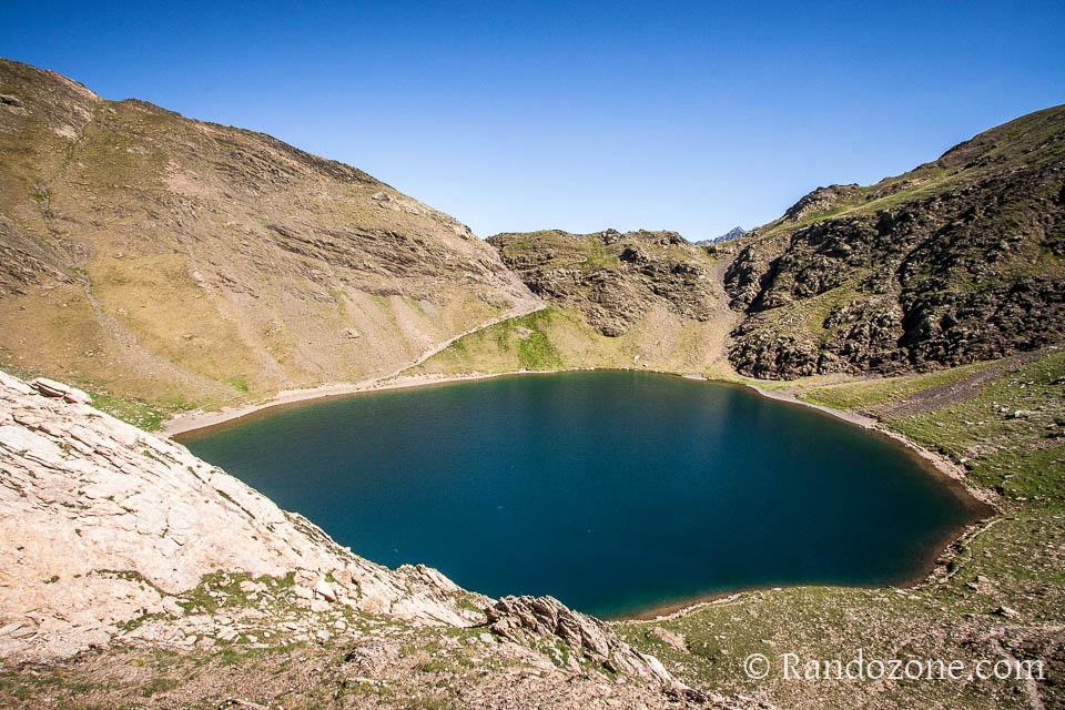 Lac de la Bernatoire depuis le côté espagnol