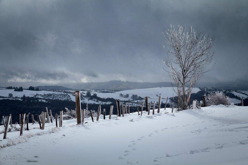 Neige et nuages en Aveyron