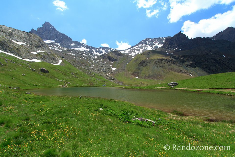 Lac de la Blanche dans le Queyras