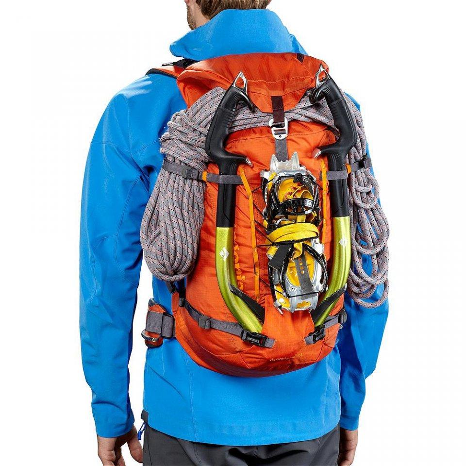 Patagonia Ascensionist Pack 35L rempli