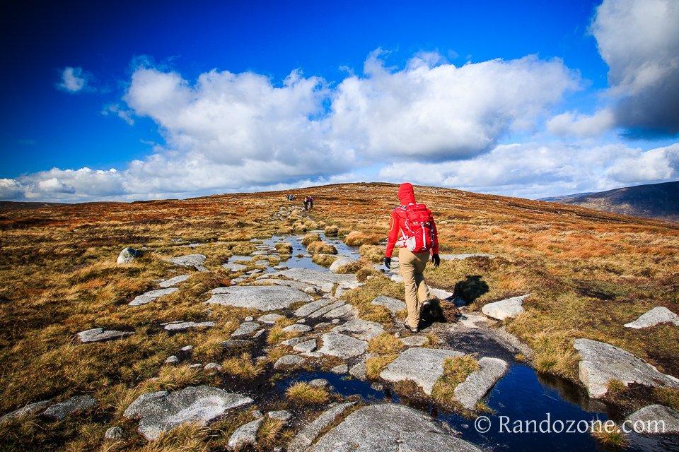 Randonnée dans les montagnes d'Irlande