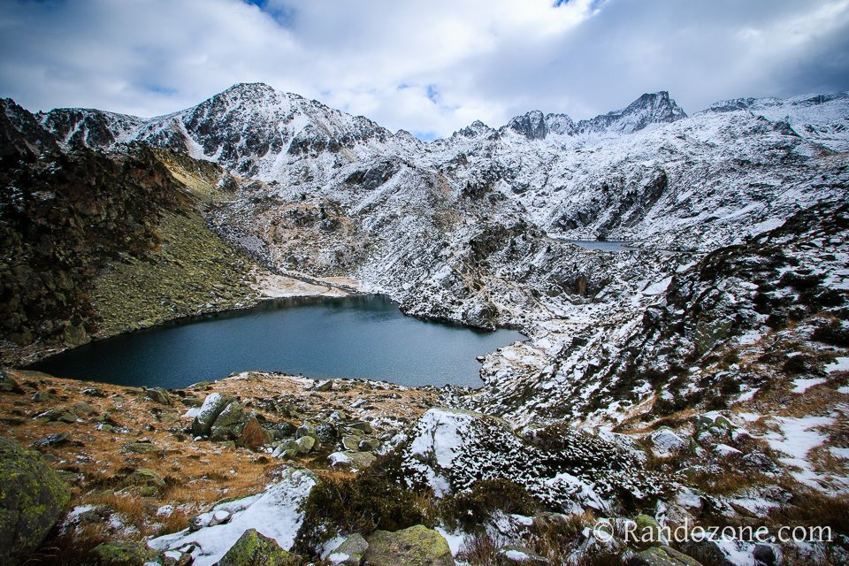 Premières neiges au lac de la Glère