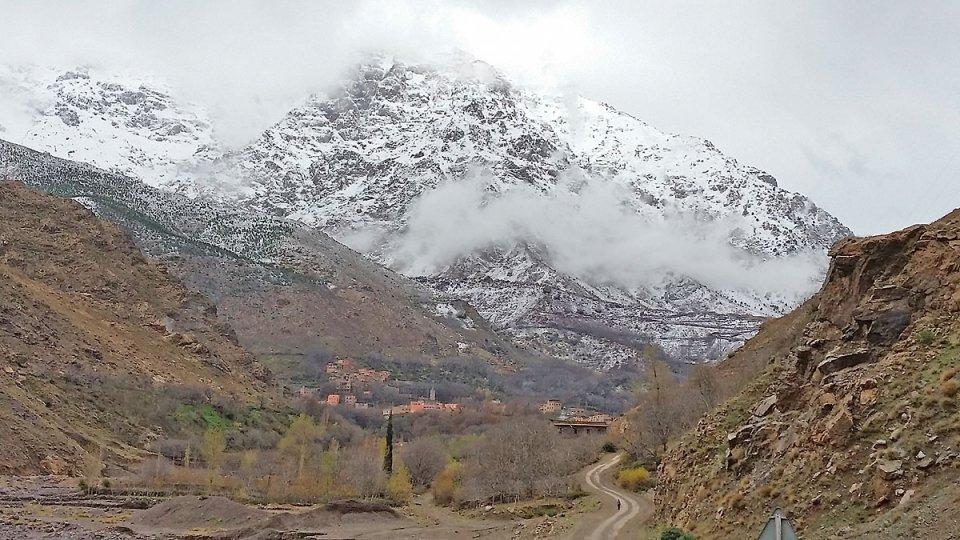 Route qui mène à Imlil et au Toubkal
