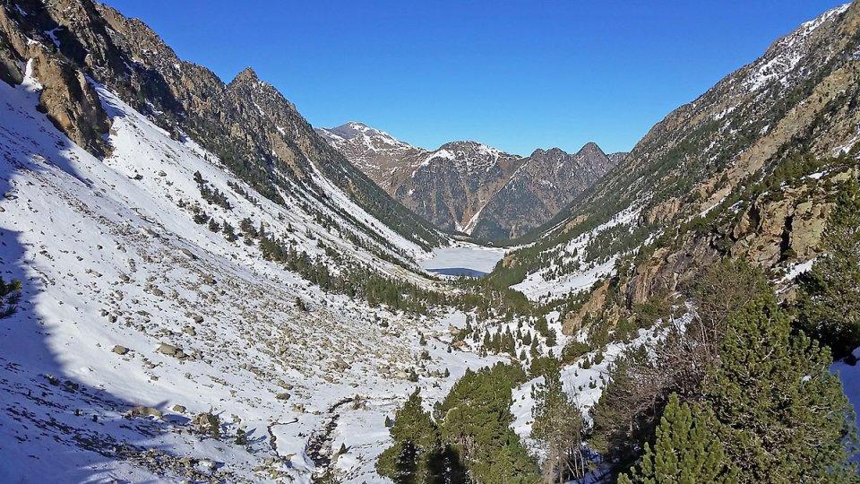 Dans la Vallée de Gaube, le lac